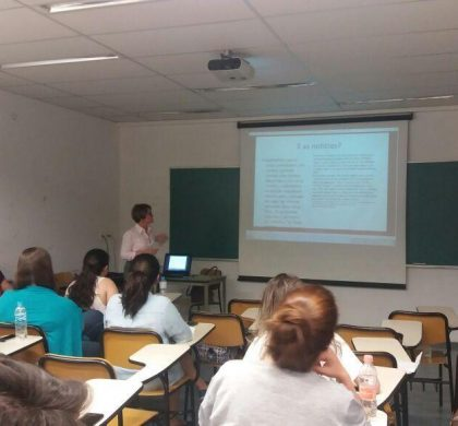 Maria Lucia Benhame em aula sobre reforma trabalhista