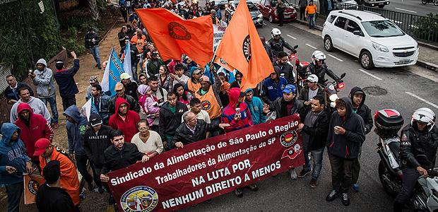 Cobrança de contribuição sindical de não filiados gera polêmica